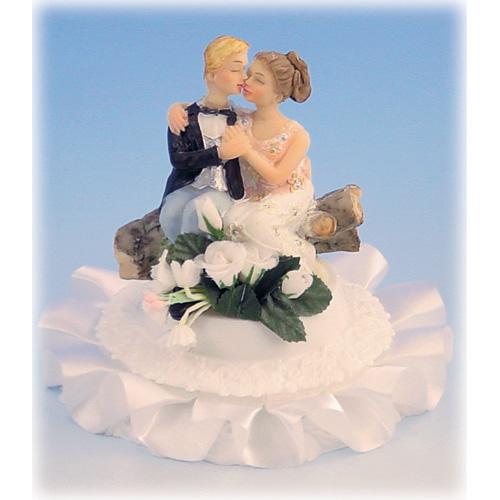 Bruidspaar Zittend op Boomstronk met Voet Polystone