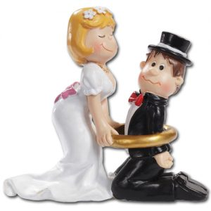Medium Bruidspaar: Bruidegom gevangen in ring
